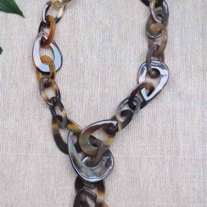 Horn Oval link necklace