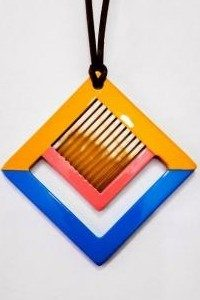 Horn and lacquer pendant, jewelry made in vietnam,